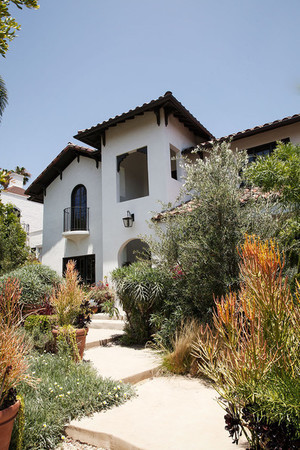 Home Tour Michael C Hall in Los Angeles